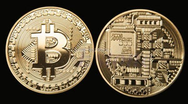 позлатена монета биткоин